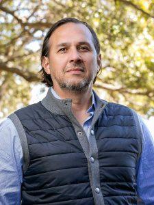 Gil Aviles, REALTOR
